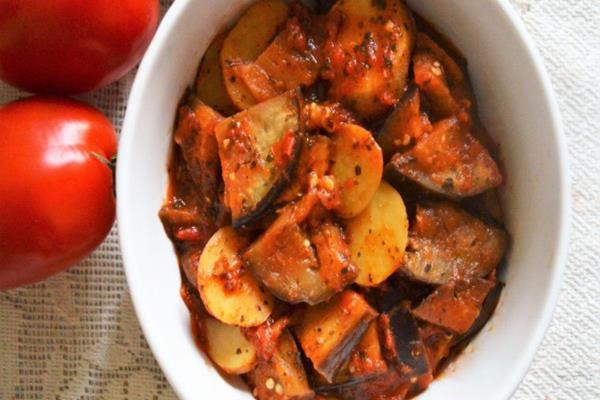 Smażone ziemniaki z tofucznicą