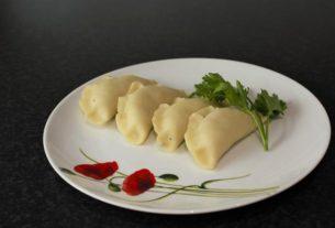 Pierogi z kiszonym ogórkiem i ziemniakiem