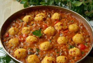 Wegańskie pulpeciki w sosie pomidorowym